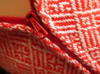 """SMALL 22W 22"""" True VTG 70s RED GEOMETRIC PATTERN HADNMADE KNIT PLEATED SKIRT"""