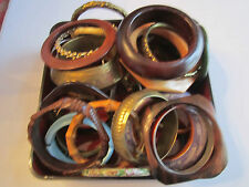 27 COSTUME JEWELRY (BANGLES) WOOD, METAL & OTHER MATERIALS - LOT 4
