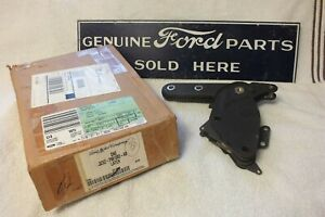 OEM NEW 03-05 Ford Explorer Rear 2nd Row 40/20/40 Center Folding Seat Latch#1667