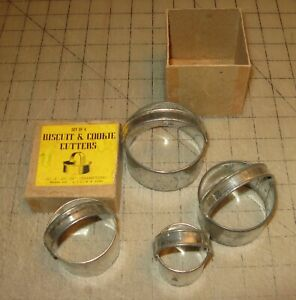 Vintage Rovel Co. LIC, NY Set of 4 BISCUIT & COOKIE CUTTERS in Original Box