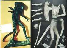 "11""Alien Warrior Walk Sci-Fi Movies Vinyl Model Kit 1/8"