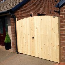 "WOODEN DRIVEWAY GATES HEAVY DUTY GATES! 5FT 6"" HIGH 6FT WIDE (3FT EACH GATE)"