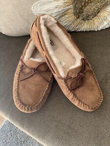 UGG Australia Dakota Leather S/N1020031 Women's Size 9 Slip On Moccasins Brown