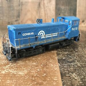 HO Scale - Athearn - Conrail Diesel Locomotive #9615 For Parts Or Repair (a1)