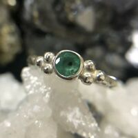 Roman Art Natural Diamond Cut Zambia Emerald Handmade 925K Sterling Silver Ring