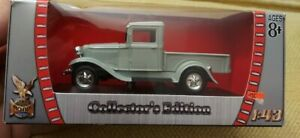 Road Signature Collection Ford Pick Up 1934 Grey 1/43 NEW in box