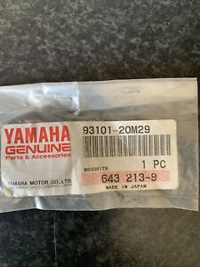 YAMAHA Outboard Oil Seal 93101-20M29  Genuine