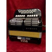 HOHNER OVERTURE 5 Voce 2 1/2 ROW CLUB TUNED ACCORDION C/F USED