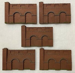 OO Gauge Red Brick Retaining Wall Sections x 5 Suit Hornby