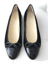 $795 CHANEL CLASSIC BLACK VELVET AND PATENT LEATHER CAPTOE BALLET FLATS 37