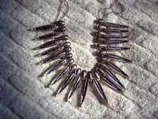 * FEATHER DESIGN FRINGE NECKLACE - SILVER COLOURED METAL - DOUBLE CHAIN
