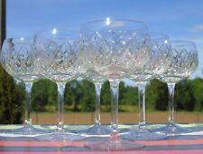 Val Saint Lambert? Saint Louis? Service de 6 verres à vin en cristal taillé.