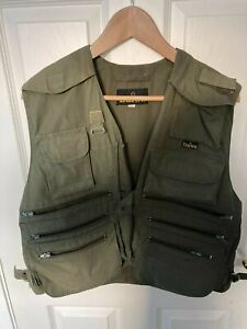 Daiwa Fly Fishing Vest Waistcoat Lots of Pockets Rod Holder Mens - Size Small