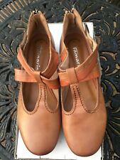 PAIR OF TAMARIS SHOES NWB SIZE 6