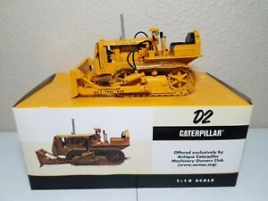 Caterpillar Cat D2 with Tool Bar Blade - SpecCast 1:16 Scale Model #CUST782 New!