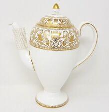 Wedgwood Gold Florentine - W4219 - 1.25 Pint Coffee Pot