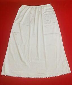 """WARNERS ... Vintage  29""""  Lace  Trim  Nylon  Half  Slip ... White ... Size  L"""