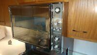 1964 Space Age GE Americana Refrigerator Freezer & Range Oven Matching Kitchen