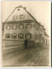 Orig. Foto KEMPTEN Wohnhaus mit Mann 20er Ja.