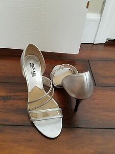 MINT CONDITION SILVER MICHAEL KORS HIGH HEELS WOMENS SHOES