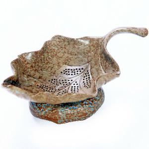 Chinese Creative Leaf Shape Tea Strainer Pottery Tea Filter Holder Tea Set