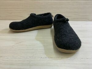 Giesswein Vent Slippers - Women's Size US:8 / EU:39, Black