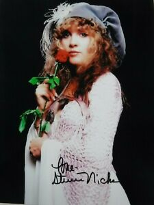 "STEVIE NICKS  SIGNED  ""ROSES ARE RED""  PHOTO"