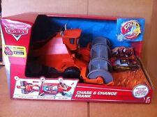 Disney Cars Chase & cambiar Frank Incluye Cambiador De Color Rayo McQueen (nuevo)