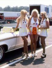 "Linda Vaughn ""Miss Hurst Golden Shifter & 2 ""Hurstettes"" PHOTO! #(21b)"