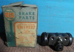1957-58 Packard 54-63 Studebaker 59-60 Volvo, 59-61 Checker Front Wheel Cylinder