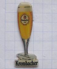 KROMBACHER PILS / GLAS  / KREUZTAL.. Bier-Pin (102i)