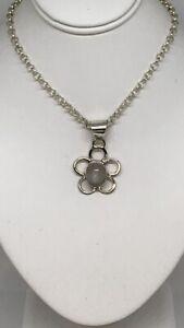 Moonstone Small Flower 925 Silver Pendant Fashion Jewellery 925 Silver