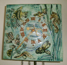 URGOS-Wanduhr,50er J.,7-Tage Werk,Majolika mit Fischen,Seepferdchen,Schildkröte