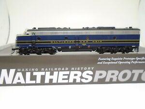 Walthers Proto Ho E-9A locomotive, B&O 1454