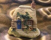 Lilliput Lane - Petticoat Cottage - 1994/1995 - L0672 - with Box, Deeds &c