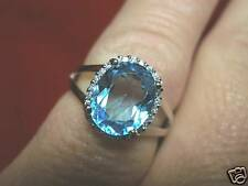 14 Quilates Oro Blanco Diamante Original & Topacio Azul Anillo