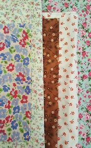 Fabric remnants Floral fabric x 5 pieces scrap bundle craftroom clearout