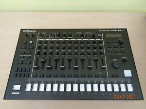 Roland TR-8S Rhythm Performer Drum Machine