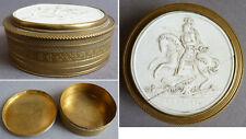 Boite 19e siècle avec médaillon porcelaine biscuit Roi Henri IV fleur de lys