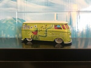 2014 Hotwheels Pop Culture Kermit The Frog VW T1 Panel Van Bus ( Loose )