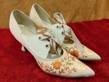 Vintage 1970s WOMEN'S POINTY TOE SHOES Hendrickson Photo Prop BOHO Kitten Heel