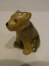 WADE-WHIMSIE DOGS AND PUPPIES YORKSHIRE TERRIER SITTING