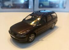 Opel Vectra B Caravan coche (1998) 1:43 rara vez Schuco
