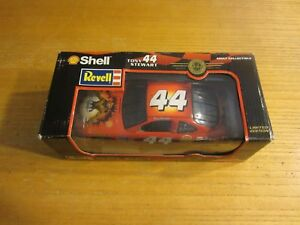 Tony Stewart 1998 Revell Collection 1:24 #44/Shell Small Soldiers NASCAR NIP