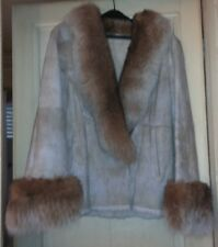 Superbe veste en peau lainée Lapin - COL ET POIGNETS RENARD TAILLE 40/42