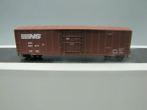 Micro Trains N Scale Norfolk Southern 50' Boxcar #27230