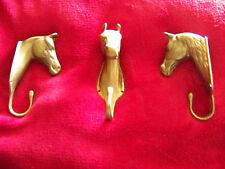 3 Pferdeköpfe als Wandhaken / Garderobe  aus Messing alt klasse Zustand