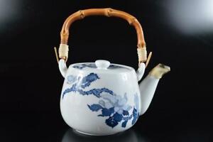 #5098: Japanese Arita-ware Blue&White Flower Muffle painting TEAPOT Kyusu Sencha