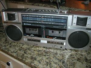 Hitachi TRK-W55W Stereo FM Radio Cassette Boombox Ghetto Blaster / 1980s GC - NR