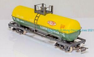 Rivarossi 2220,  HO Scale, American Bogie Tanker Wagon 'Du-Pont Chemicals